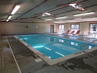 Community Pool, Lake Access, Close to Wisp, McHenry