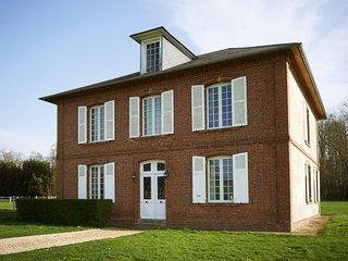 Maison Bourgeoise de 2 étages, Montreuil-l'Argille