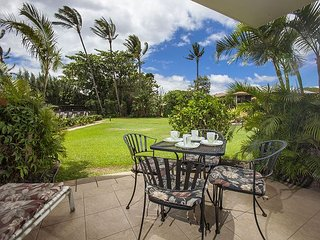 Waiohuli Beach Hale #D-121 1Bd/1Ba Oceanfront Complex, Great Rates! Sleeps 3
