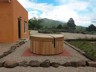1 Bedroom Mountain views, Private Hot Tub, Wi-Fi, El Prado