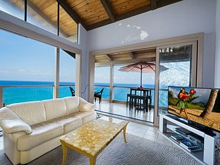 KKSR5304 !! DIRECT OCEAN FRONT, TOP FLOOR, W/LOFT!  BEST CORNER IN COMPLEX!