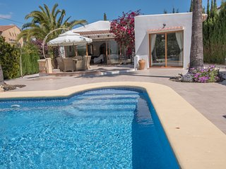 4 Bedroom, Two Bathroom Villa with 8 by 4 Private, Javea