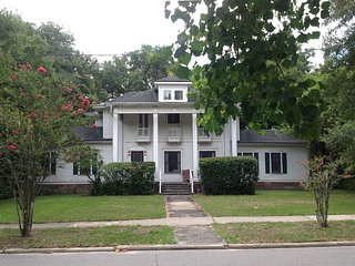 Large, lovely, renovated 1913 home on main block, DeLand