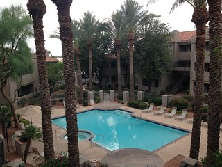 Pool Side Resort Style Condo in Ahwatukee