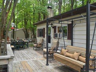 Front Porch Paradise - Pocono Cabin