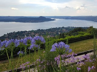 Comfy villa facing Lake Maggiore, Lesa
