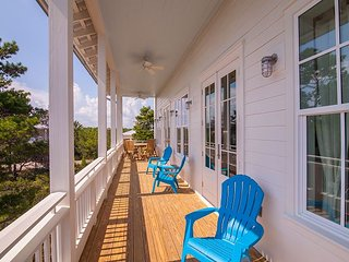 Luxury Beach Cottage and Carriage House. Thanksgiving Week Special !, Santa Rosa Beach