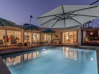 Luxury Estate in Palm Springs - Mountain Views from a Private Pool