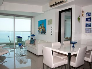 Beautiful 2 Bedroom on the Beach, Cartagena