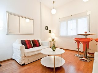 Gran Via VI apartment in Gran Via with WiFi, integrated air conditioning & lift.