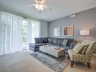 Beautiful 3BR town home with everything you need for the perfect vacation!