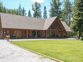 Private  8.5 acres, hot tub and much  mins to Leavenwoth, Leavenworth