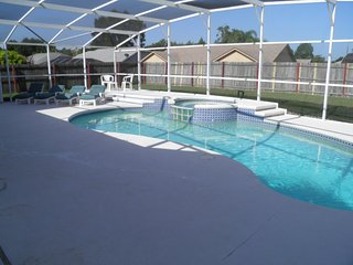Quiet, Comfortable 4 bed with large private pool, Kissimmee