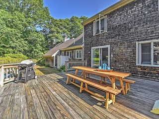 NEW! Charming 4BR North Falmouth House w/Fireplace