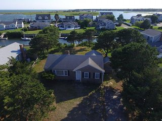 Quiet Cape Cod cottage w/private dock on Bass River inlet