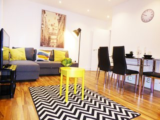 Trendy  Whitechapel flat with terrace,sleeps 6(E1)