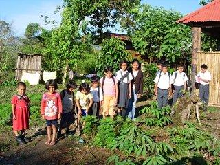 Niños de la escuela de Salvacion.