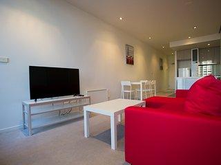 Premium 2bedroom apartment in heart of CBD, Melbourne