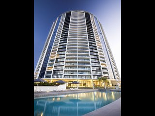 3bed 2bath lvl 14 Ocean Views Heart of Broadbeach