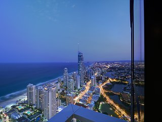3 bed level 61 Ocean views Surfers Paradise