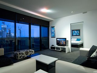 3bed lvl 49 Luxury Skyhome Circle, Surfers Paradise