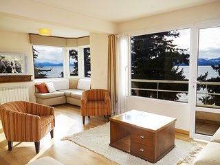3 BEDROOM LAKEFRONT APT IN DOWNTOWN BARILOCHE!, San Carlos de Bariloche