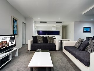 1 bed level 52 Hinterland view Heart of Surfers, Surfers Paradise