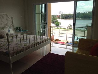 Ada'sPlaceHomestay+LakeView,Quiet,Clean,1kmAirport