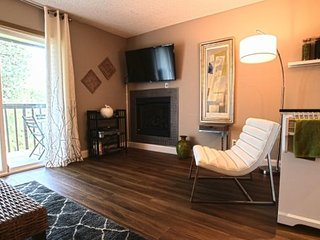 Beautifully Remodeled West Side Condo #190, Bend