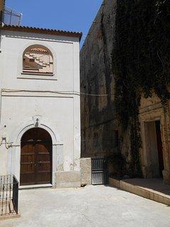 il palazzo in pieno centro storico
