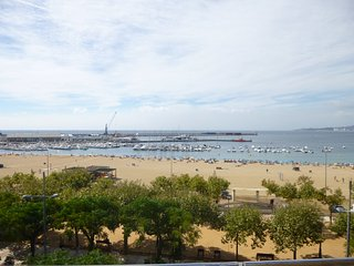 Ref. 2207 - APARTMENT LOCATED AT SEAFRONT WITH LARGE TERRACE WITH WONDERFUL FRONTAL VIEW OVER THE SEA. -, Palamos