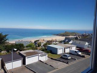 Porthmeor View -  3 Mins Porthmeor Beach