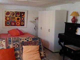 Agréable studio 40m2 en rez de jardin dans maison, Corneilla-del-Vercol