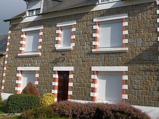 Grande Maison avec cour fermée à 10 mns de la mer, Lamballe