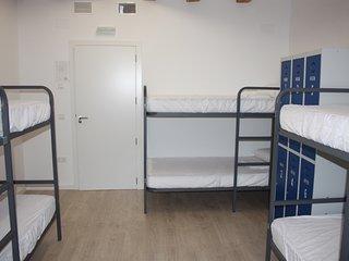 Cama en dormitorio compartido de 6 plazas, Valderrobres
