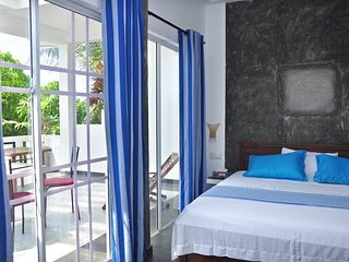 Petit Guesthouse AC Double sea view room + terrace, Negombo