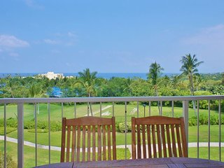 Spacious Top Floor Unit, Fantastic Ocean Views, Kailua-Kona
