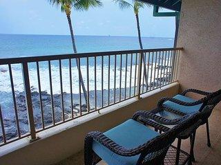 Direct Ocean Front Kona Reef A32, Walk to Town, AC,