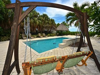 Summerland Shores - Breathtaking Waterfront Home With Pool, Beach & Boat Dock, Summerland Key