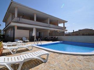 Villa Segalls en Playas de Muro con piscina privada