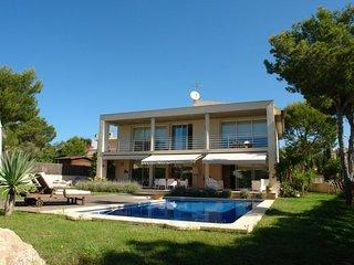 Villa Suca 1452 Santa Ponça localizada en una exclusiva urbanización