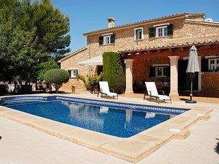 Tugores, casa rural con mucho encanto con piscina privada en Lloseta, 1970