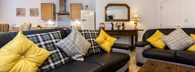 How comfy is this? Lounge area Just waiting for you to sink into the cushions!