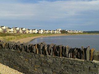 Tides Reach Beach accssess