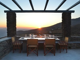 Kapsalos, The Handmade Villas