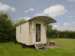 Shepherds Hut, glamping in Skipsea, East Yorkshire