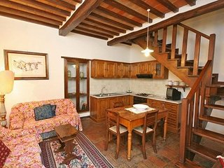 2 bedroom Apartment in Cortona, Tuscany, Italy : ref 5239445
