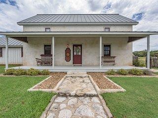 The Farm Haus at Rocky Creek Ranch, Fredericksburg