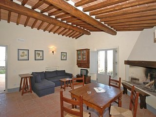 2 bedroom Apartment in Montalcino, Tuscany, Italy : ref 5239516
