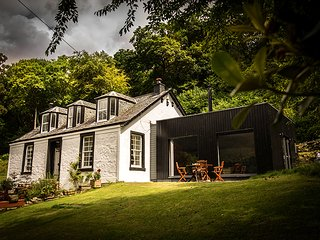 Morelaggan House, Luxury Cottage, Stunning Views, Arrochar